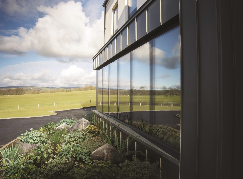 Why choose frameless windows?